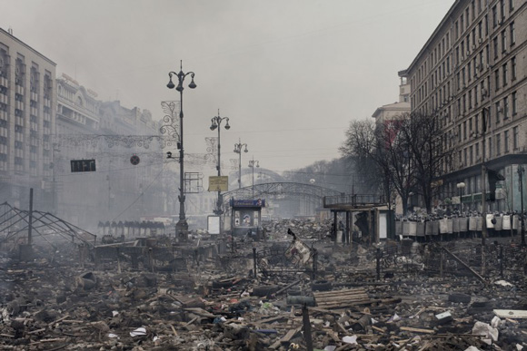 these-20-award-winning-photos-6, Ukraine war, Ukraine, apocalypse, war-torn city street, city bombing