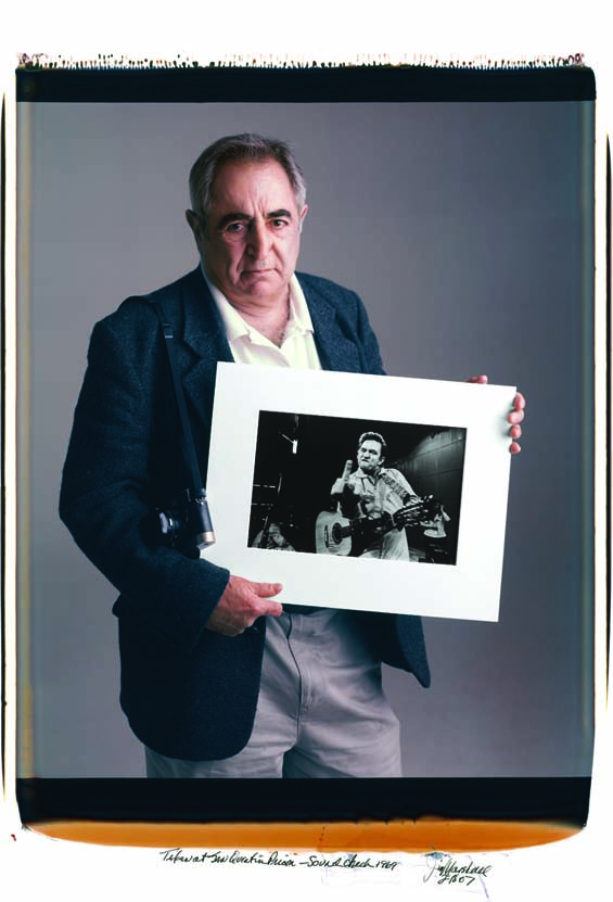 Jim Marshall, Johnny Cash, Country Music, The Finger, Photography