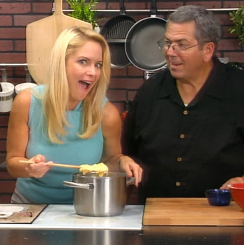 cooking, lies, gay blog, show, woman, pasta, funny, weird face, girl,