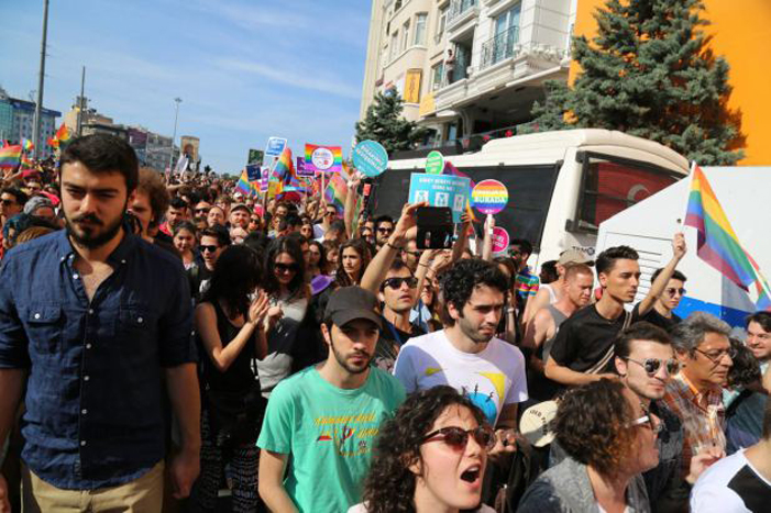 Turkey, LGBT, Pride parade, police attack, protest
