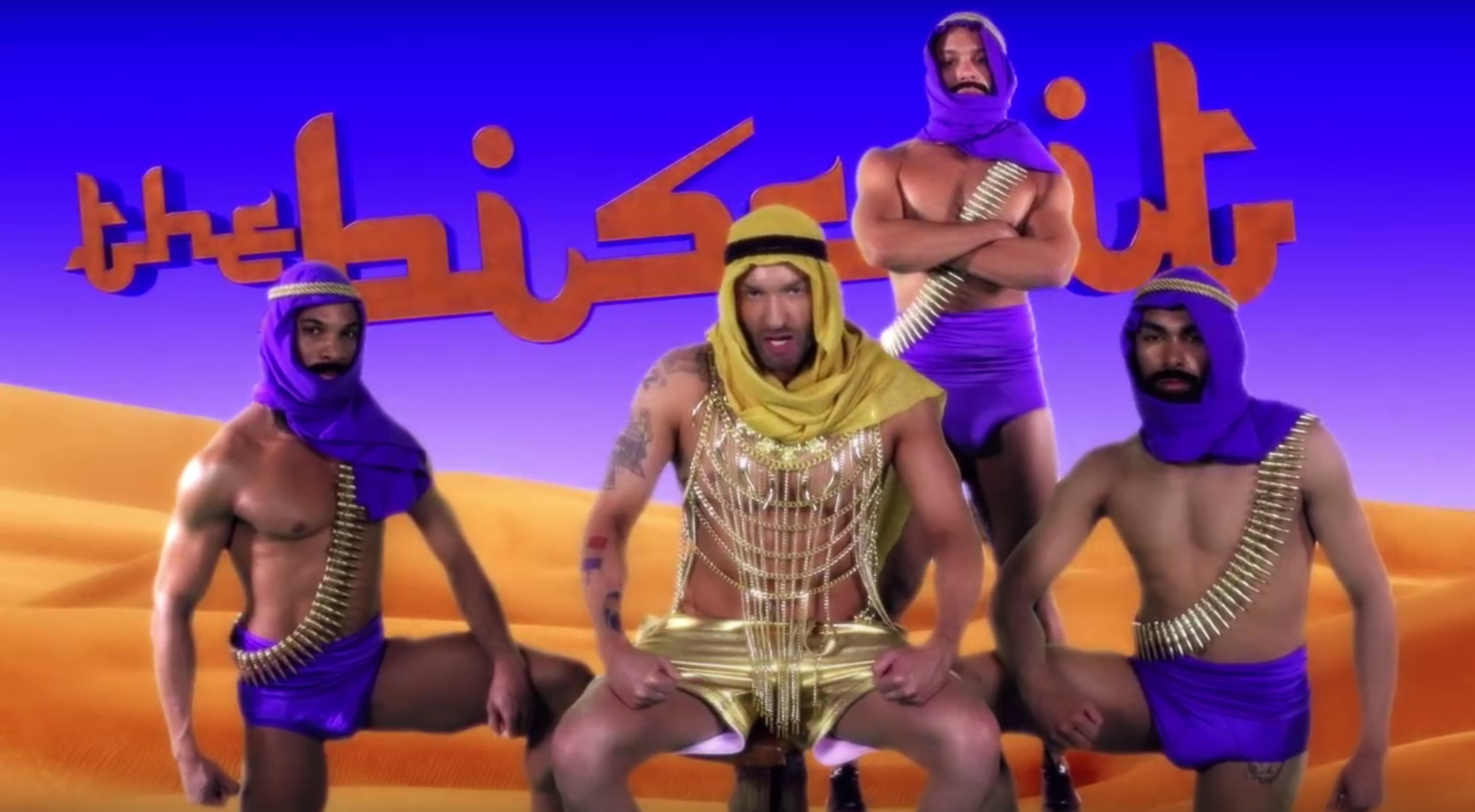 "VIDEO: Cazwell mixt arabische Typen mit Klischees in ""The Biscuit"""
