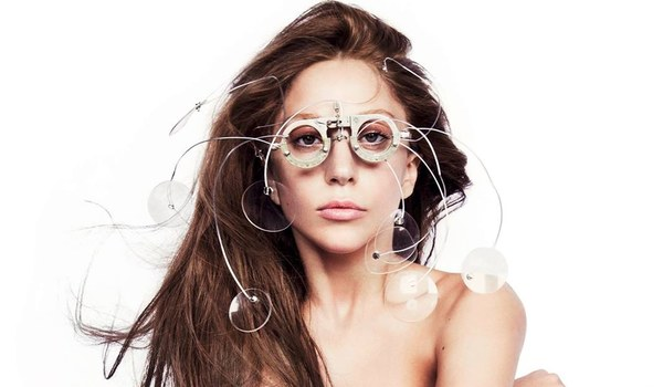Lady Gaga Debuts 'Hair'