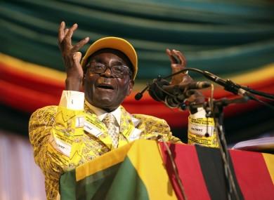 robert-mugabe-zimbabwe-390x285