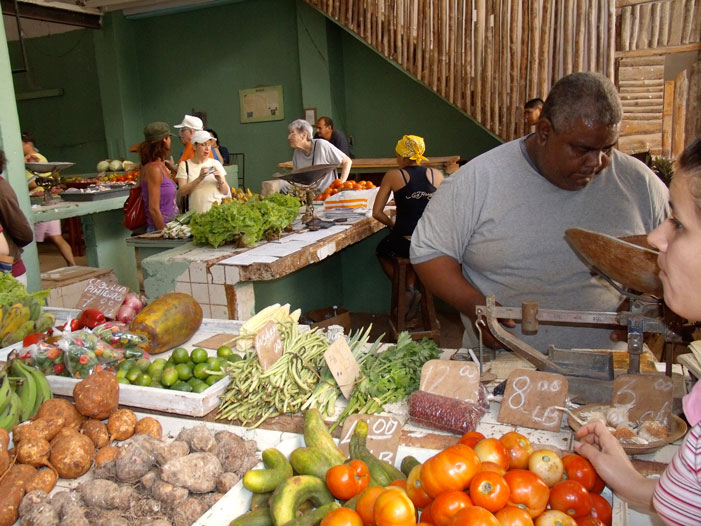 Havana, Cuba, market, produce, vegetables, market, clerk