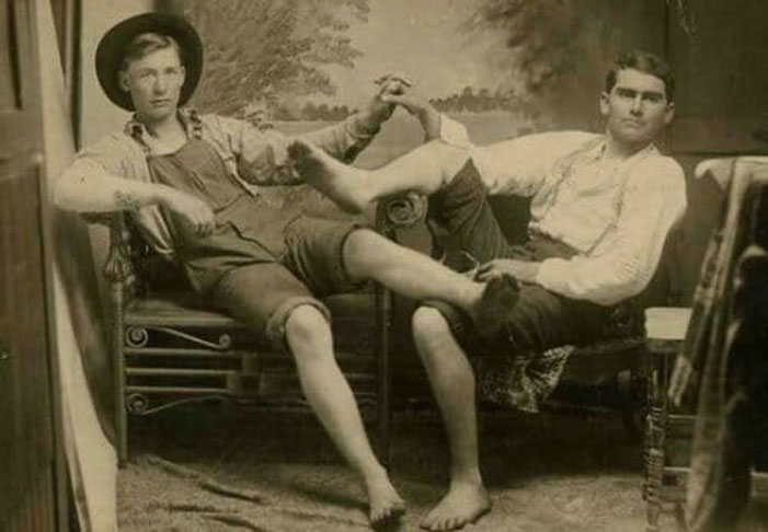 20-pics-old-timey-male-couples-will-make-re-think-male-affection-16