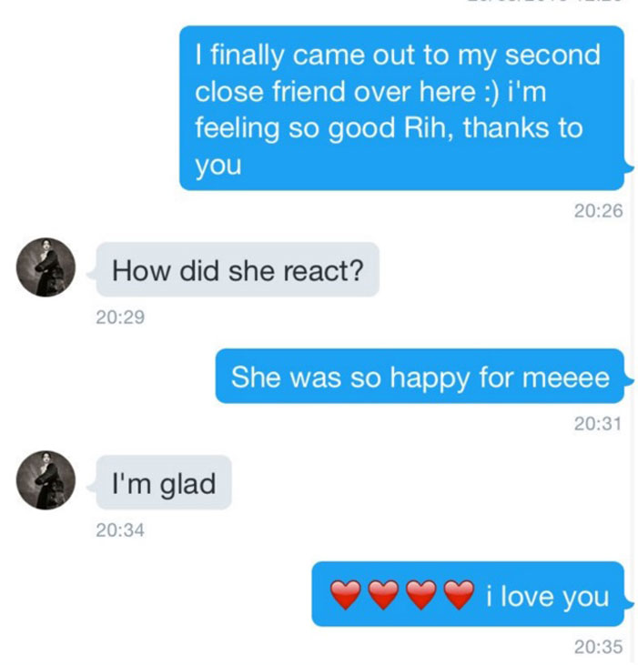 Rihanna, helps a fan come out, coming out, text message, RiRi