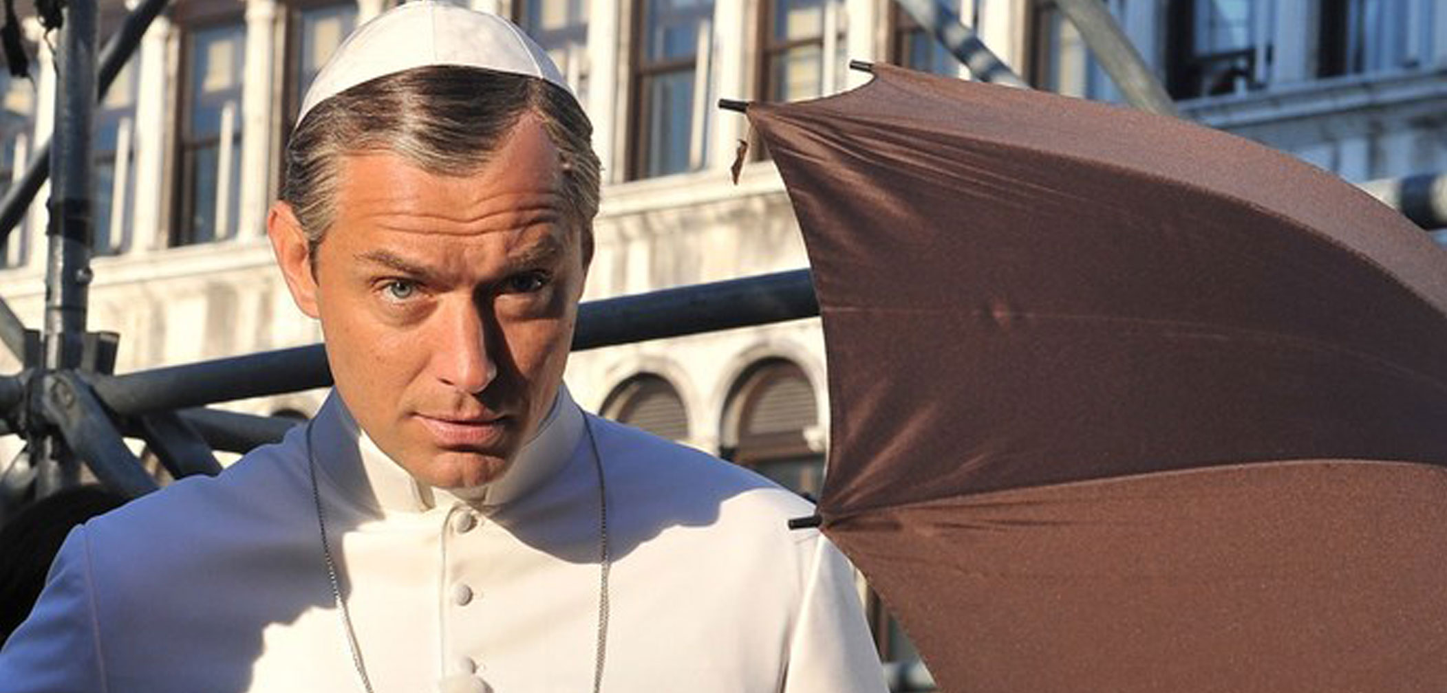 Jude Law Bares His Butt in 'The Young Pope' (Photos)