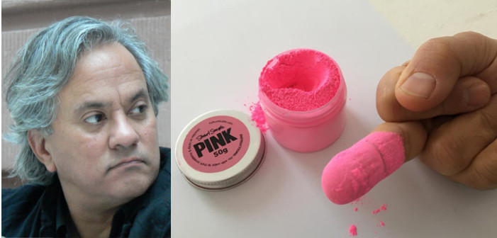 Anish Kapoor's finger covered in pinkest pink