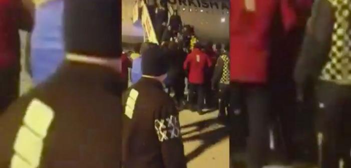 Le militant LGBT turc Barbaros Şansal tabassé à l'aéroport d'Istambul