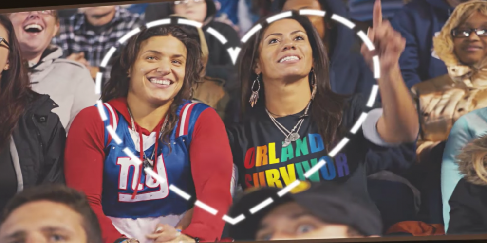 This Heartwarming Kiss Cam Video Proves Love Has No Labels (Videos)