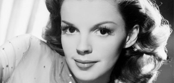 Un fan de Judy Garland achète une concession à côté de sa tombe mais celle-ci elle a été déplacée