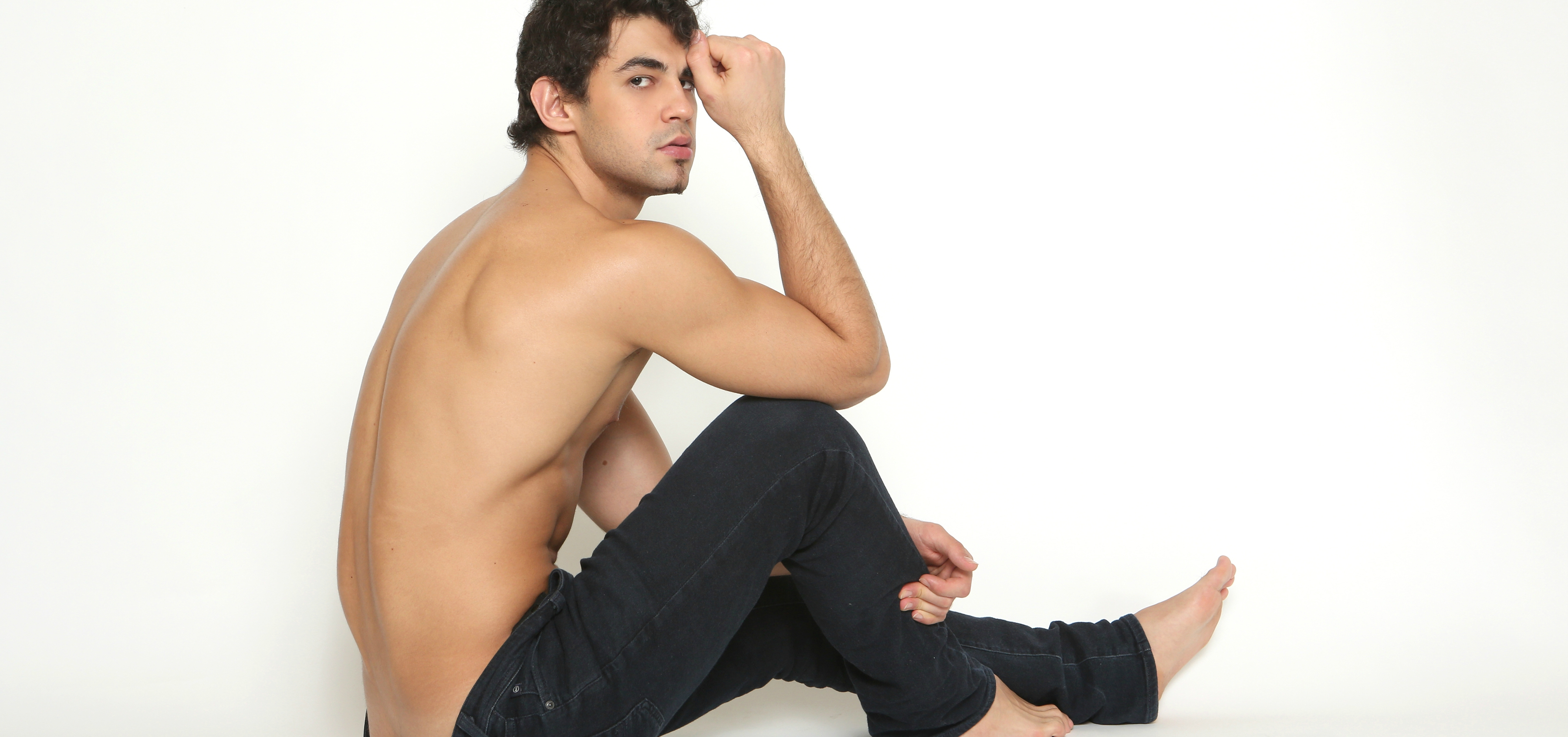 Meet Sexy Model Jean Arsirii: The Heartthrob You Need to Get Through Your Day