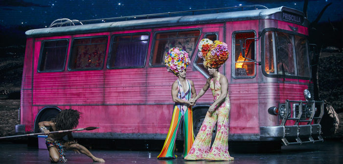 Priscilla comédie musicale casino de paris
