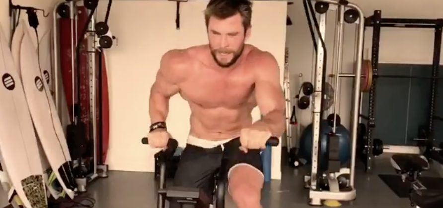 Chris Hemsworth Nos Tiene Hipnotizados Con Sudoroso Entrenamiento (Video)