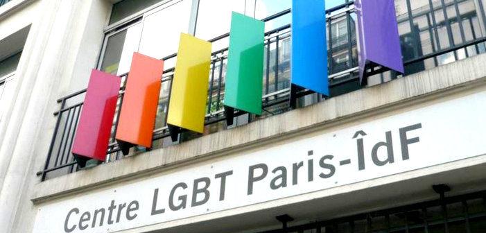 Anne Hidalgo apporte son soutien à la militante trans agressée devant le Centre LGBT à Paris