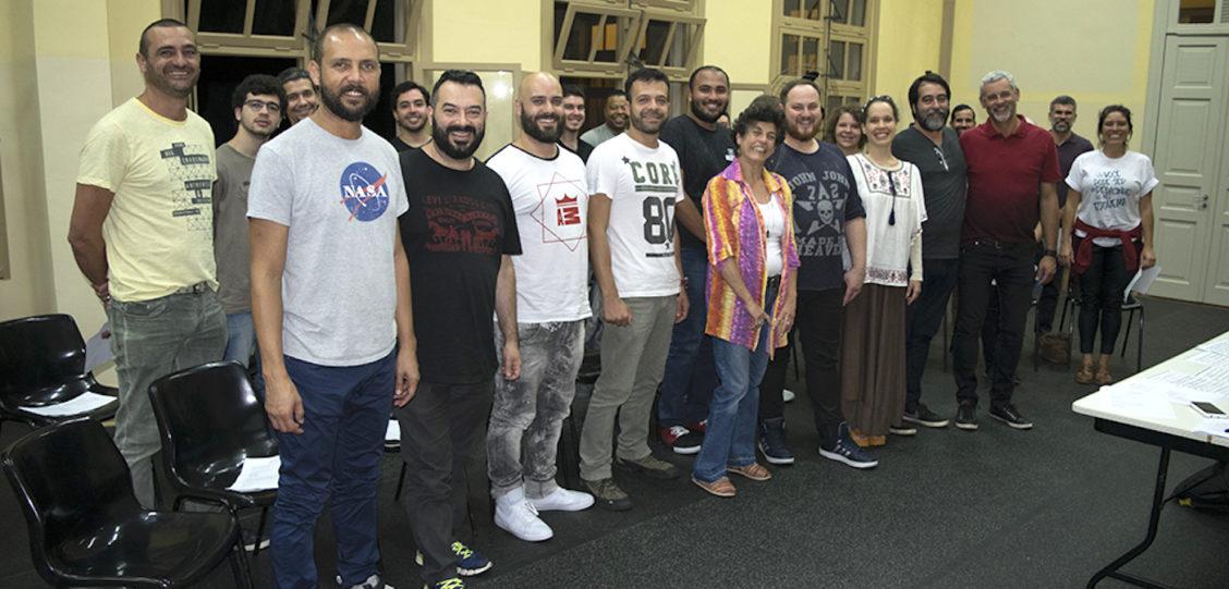 1º Ensaio do Coral LGBT Reúne Mais de 20 Vozes em São Paulo