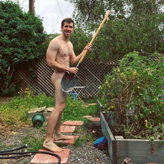 World Naked Gardening Day 2017 08