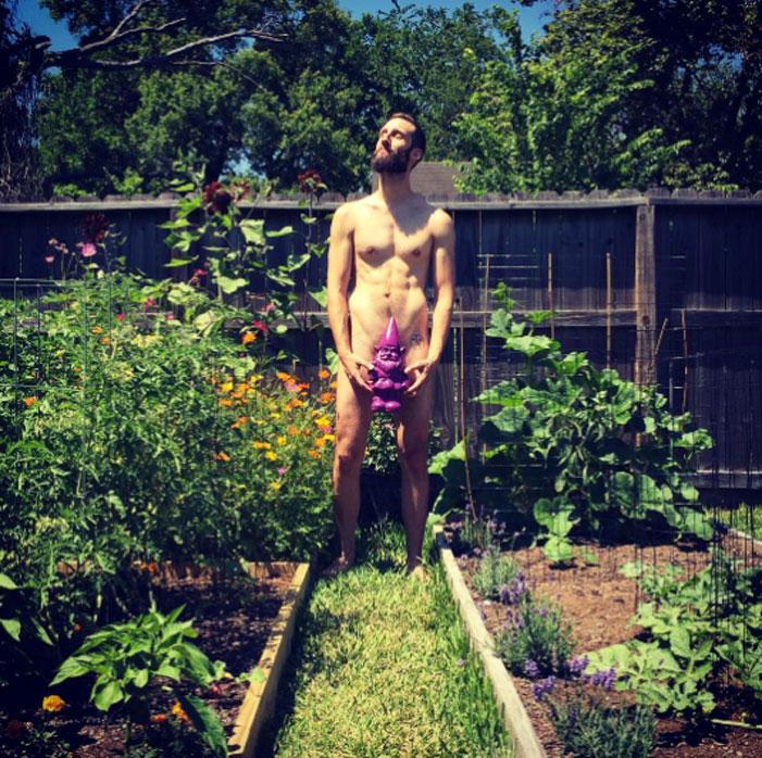 World Naked Gardening Day 2017 04