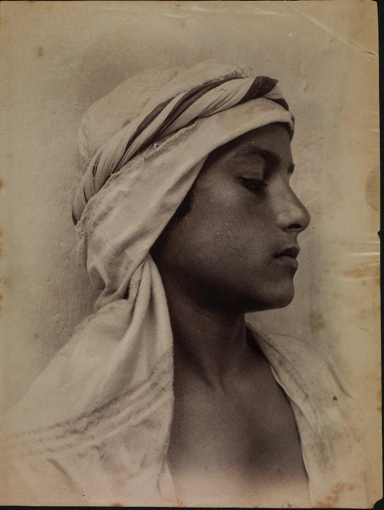 Jeune italien déguisé en arabe photographie de Guglielmo Plüschow