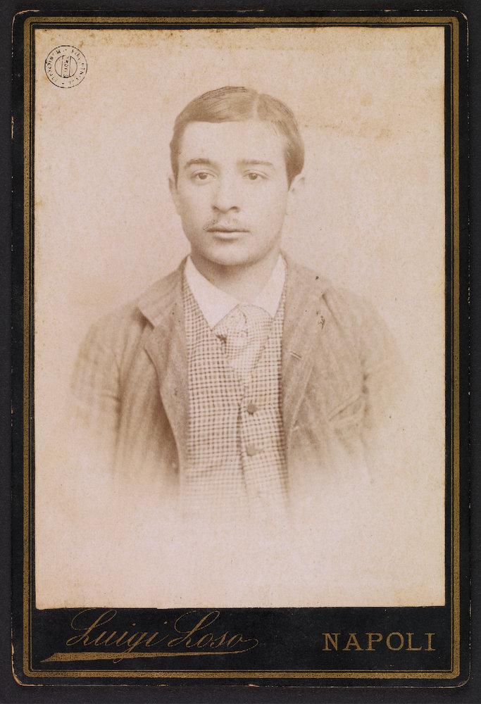 Photographie d'Alfredo Rosati, jeune homme que Georges Hérelle rencontre à Naples en 1890