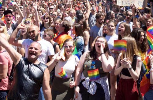 Marche des fiertés LGBT Toulouse Strasbourg Nantes
