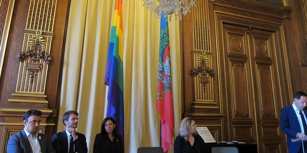 Tourisme LGBT à Paris: Jean-Luc Romero présente 52 propositions à Anne Hidalgo