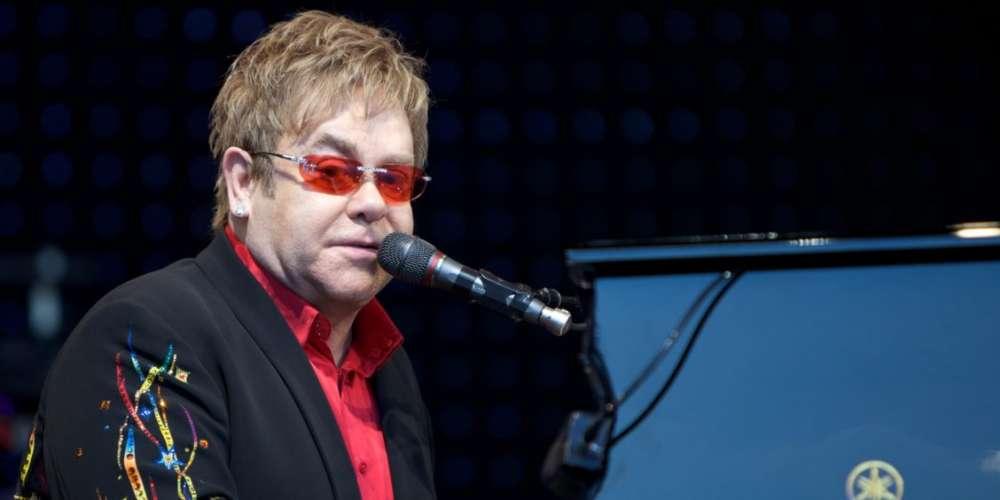 Student Mocks Homophobic Pastor: 'Elton John Can Make You Gay' (Video)