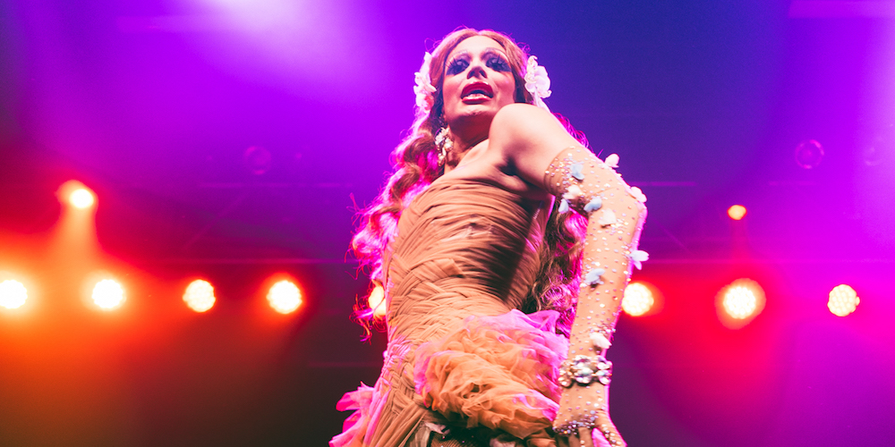 Valentina Draws a Sold-Out Minneapolis Crowd at Flip Phone XXL (Photos)