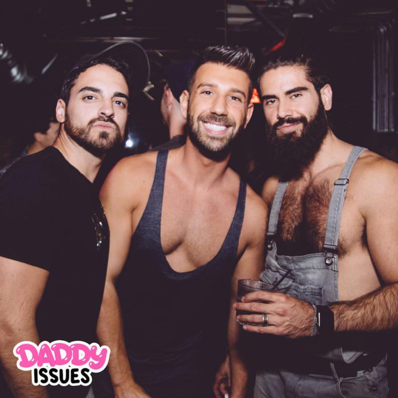Gay Daddy Sex Fotos