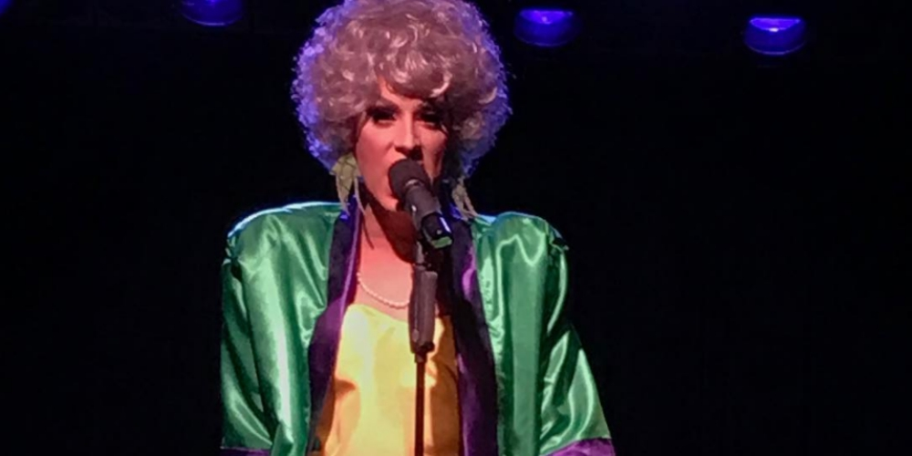 Mira a Alaska Cantar 'You Oughta Know' muy al Estilo de la Legendaria Golden Girl Dorothy Zbornak