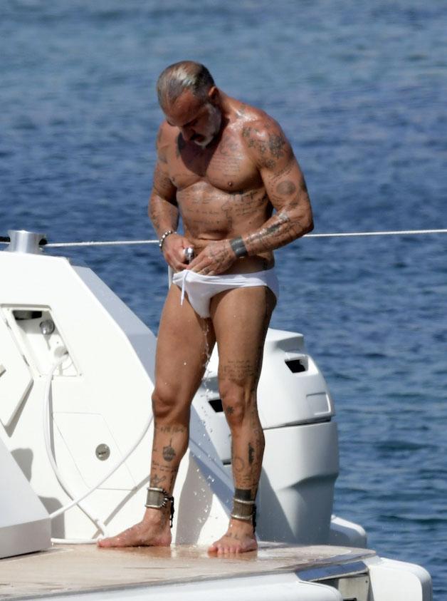 Gianluca Vacchi bulge 09