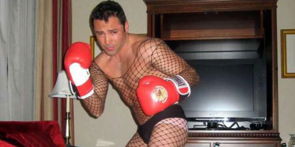 Former Boxer Oscar De La Hoya Blames Drugs and Depression for Decade-Old Drag Photos