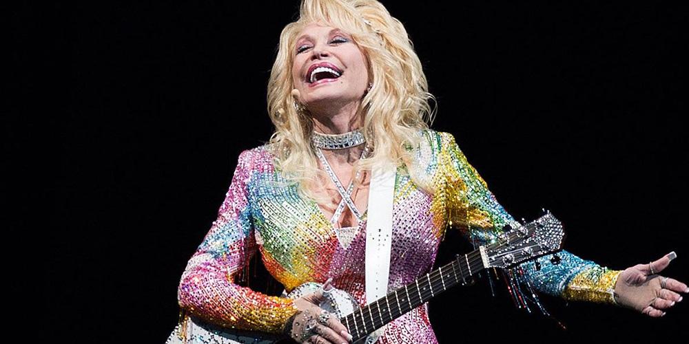Celebra a Dolly Parton mirando sus 5 mejores canciones de portada