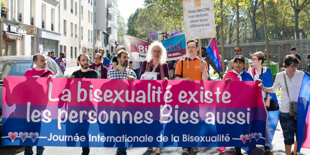 Journée internationale de la bisexualité: une enquête sur la biphobie et une marche