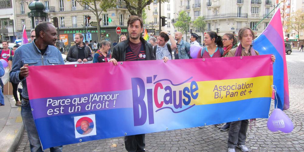 Revivez la marche pour la bisexualité en photos et en vidéo