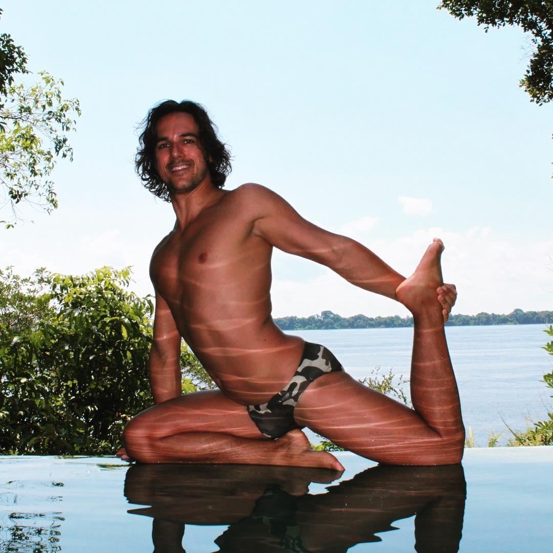 gay yoga masters 08