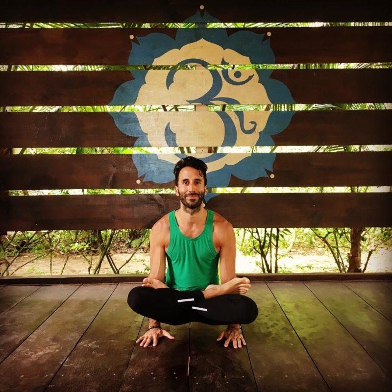 gay yoga masters 01