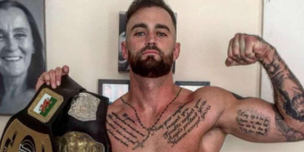 Nadie Disfruta Más Sacarse el Miembro Frente a la Cámara que el Boxeador Robbie Gaine