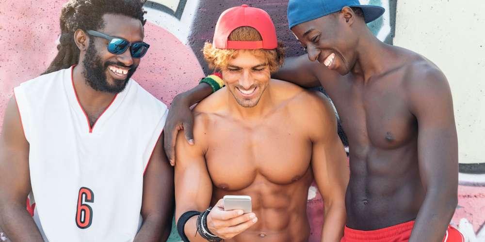 一項新研究發現,相較於異性間的浪漫關係,男人較偏好「兄弟情」
