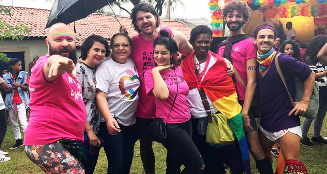 Veja fotos da Parada LGBTQIA de cidade Tiradentes