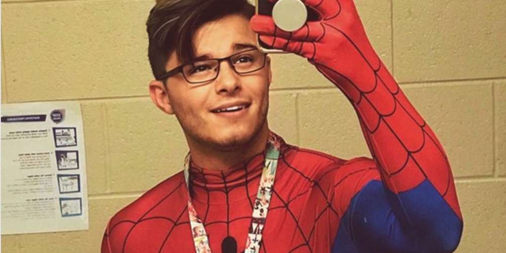 This Handsome Teacher's Bulge-Baring Spider-Man Costume Is Unsurprisingly Going Viral