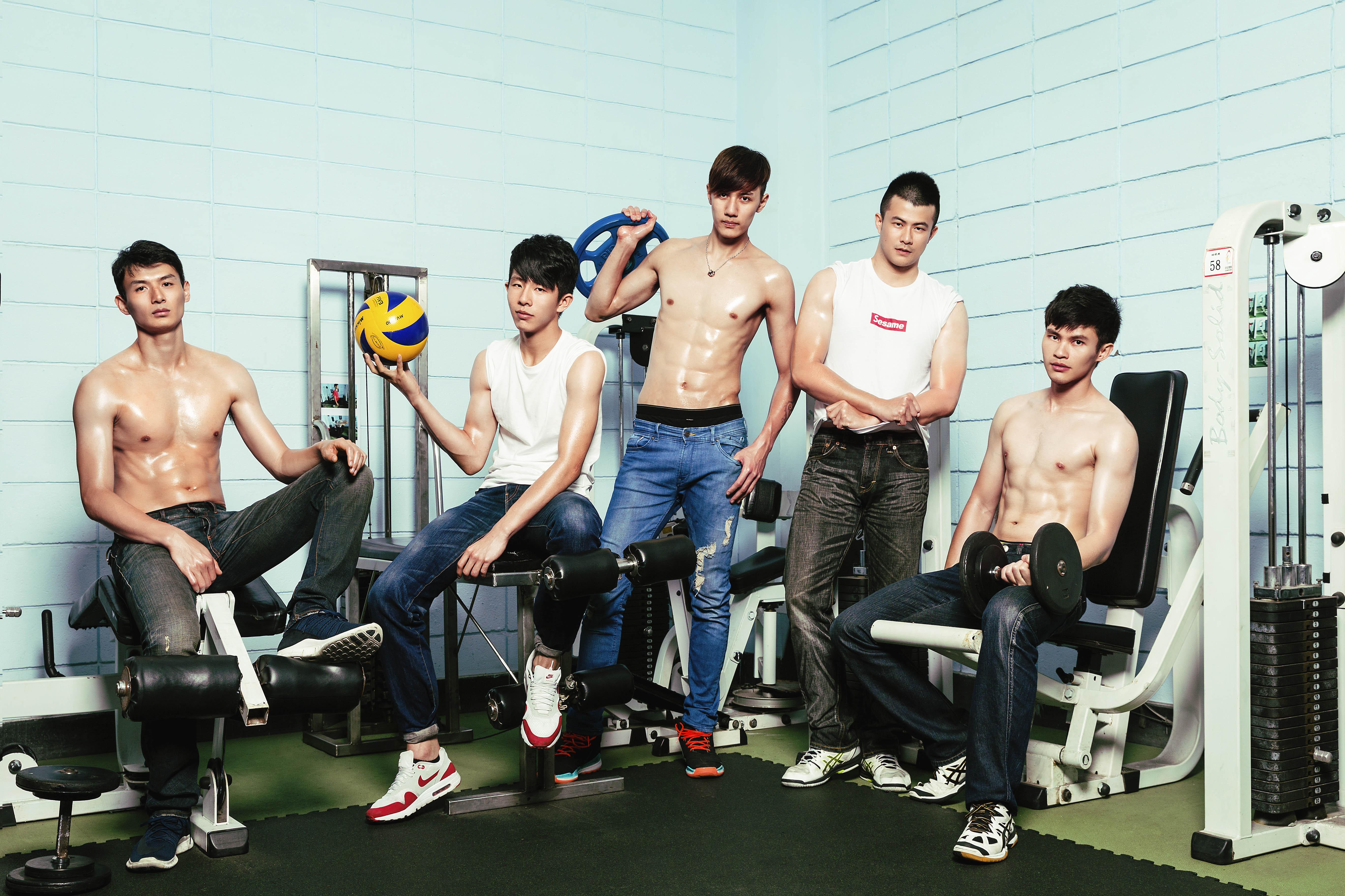 《 Hornet x 晏人物 》攝影師和那些台灣大學的排球男孩們