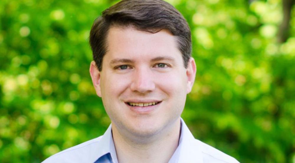 Deputado anti-LGBT renuncia após flagra de sexo gay nos EUA