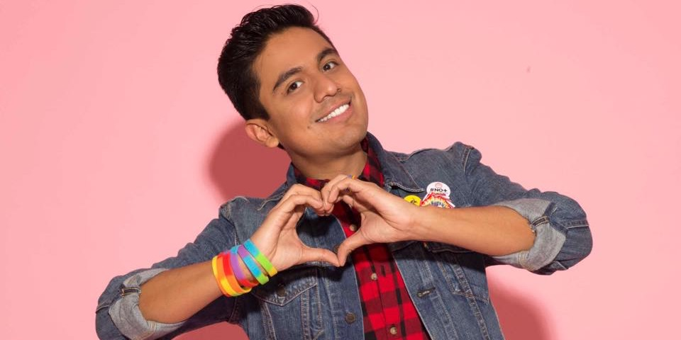 This Gay Mexican YouTube Star Tells Us Why He Hates Machismo (Video)