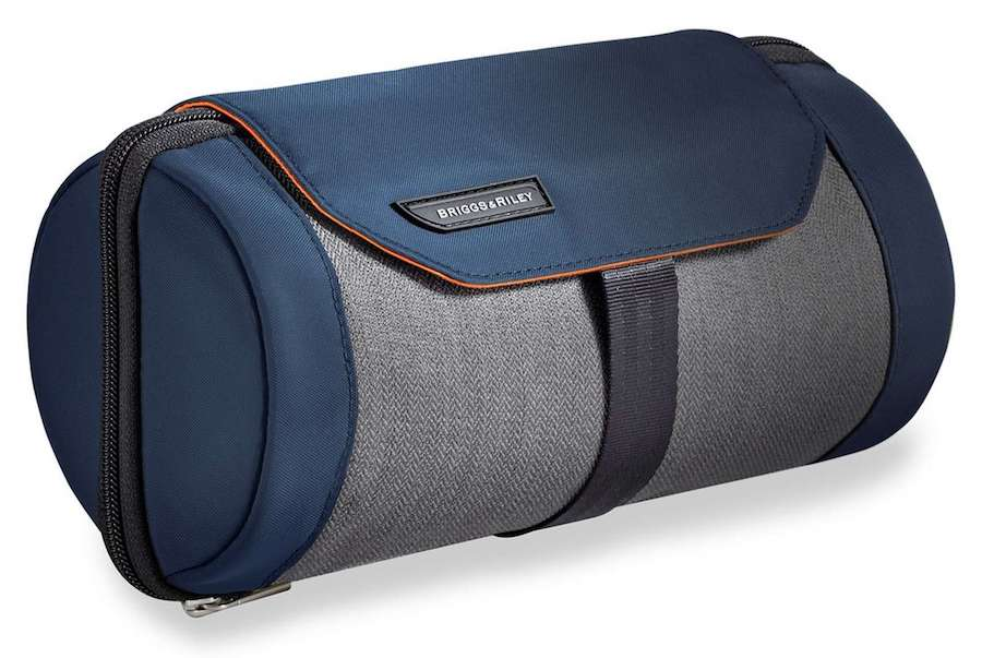 toiletry kit dopp kit