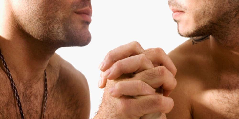 Homens buscam menos tratamento para HIV e têm mais chances de morrer por causas relacionadas à AIDS