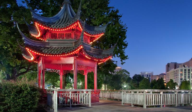 lake eola pagoda orlando