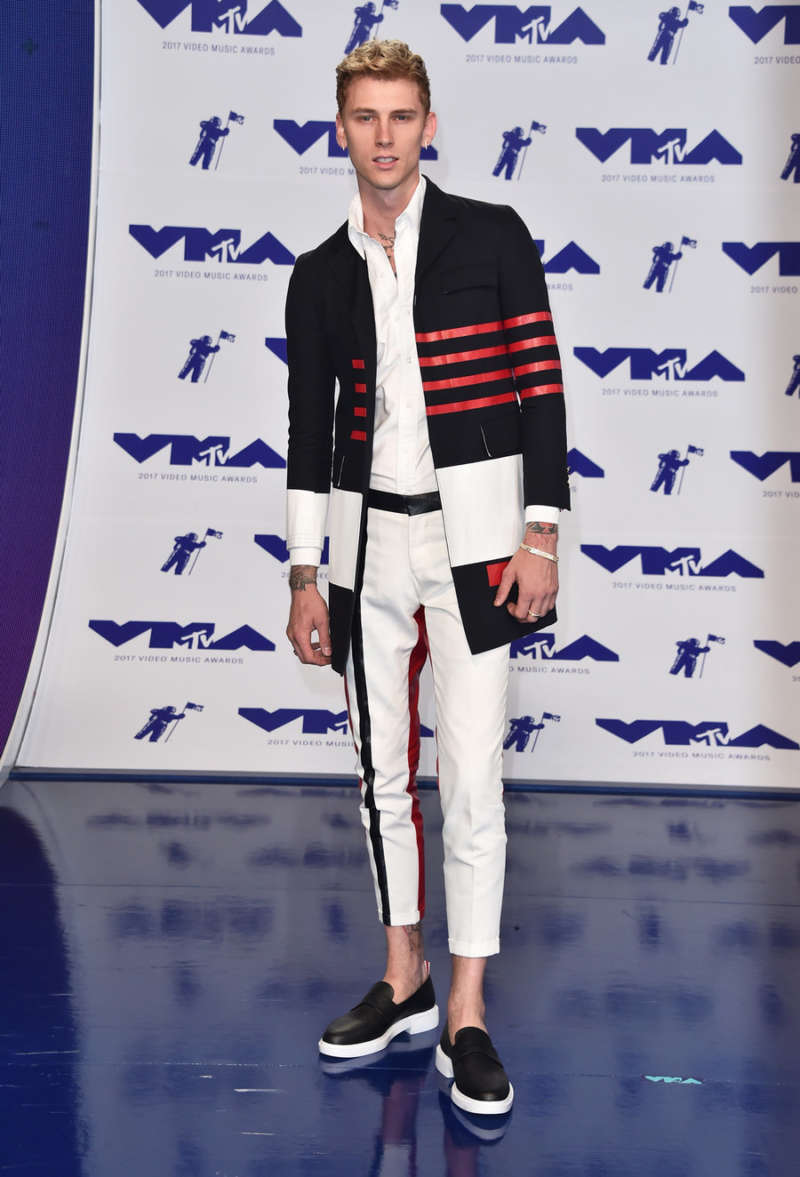 red carpet looks machine gun kelly