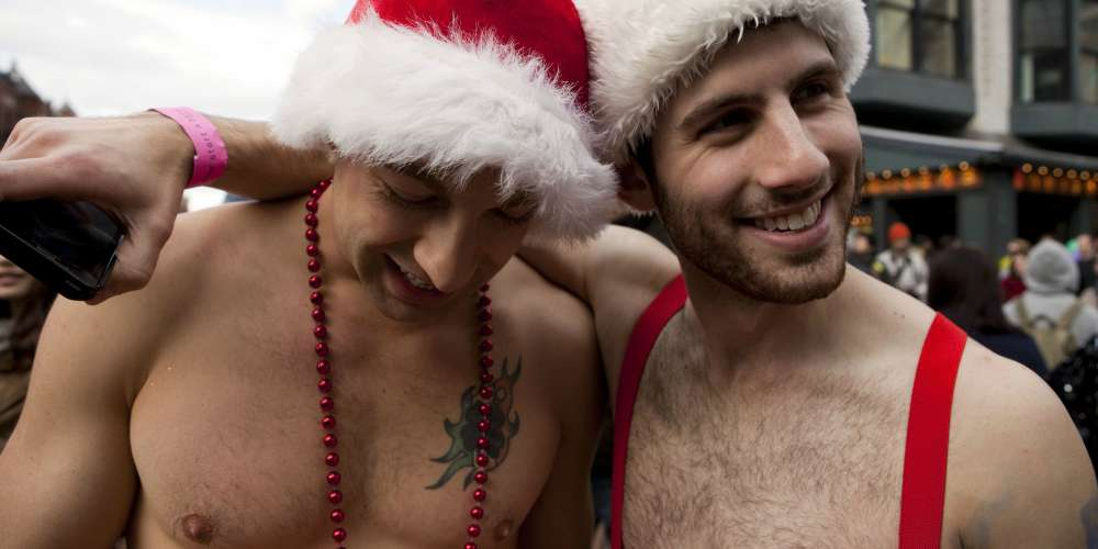 17 Sexy Pics That Will Make You Re-Evaluate Your Relationship With Santa Claus (NSFW)