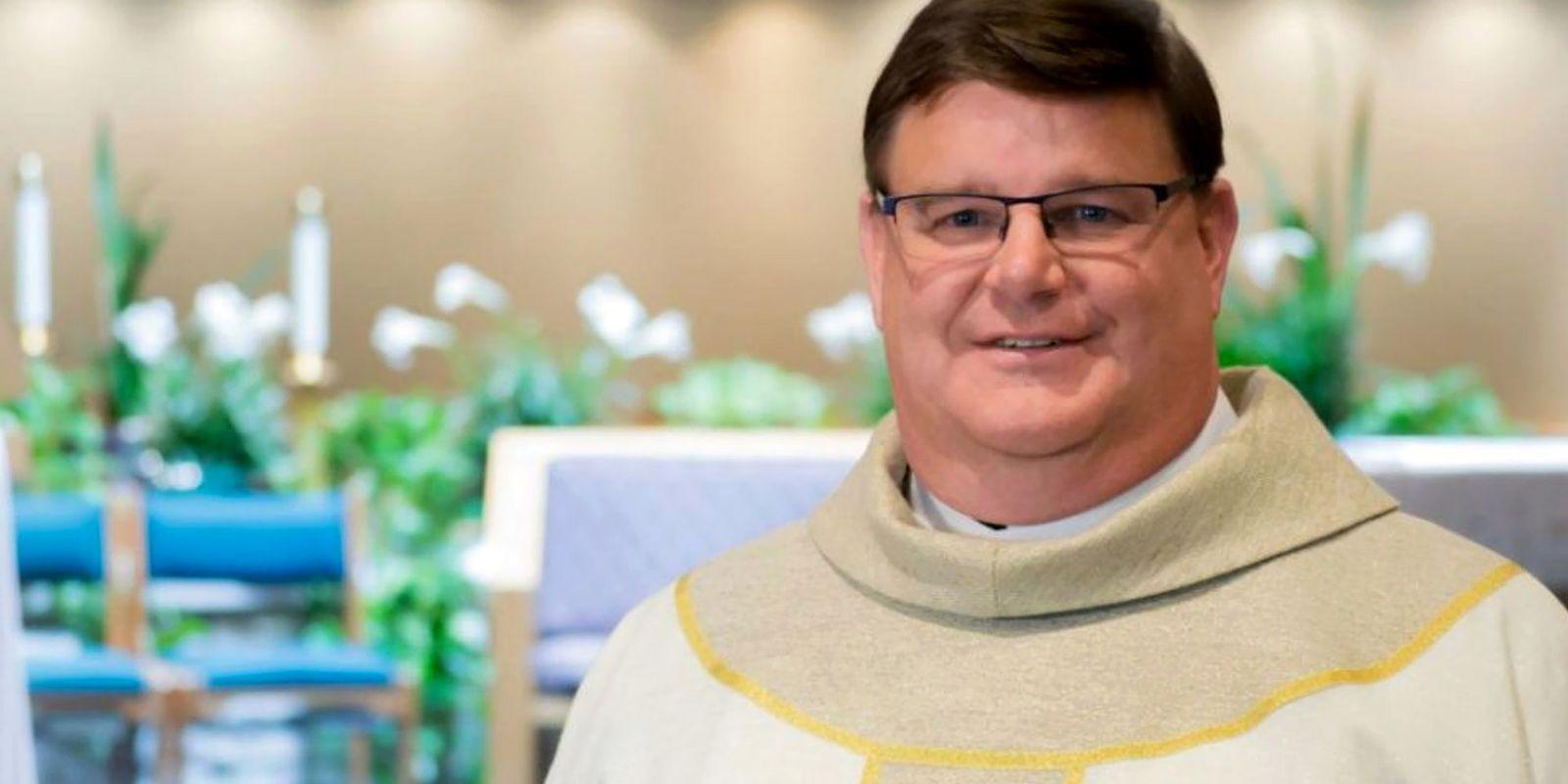 trump trolled priest
